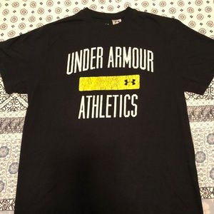 Under Armour t shirt Men's size small.